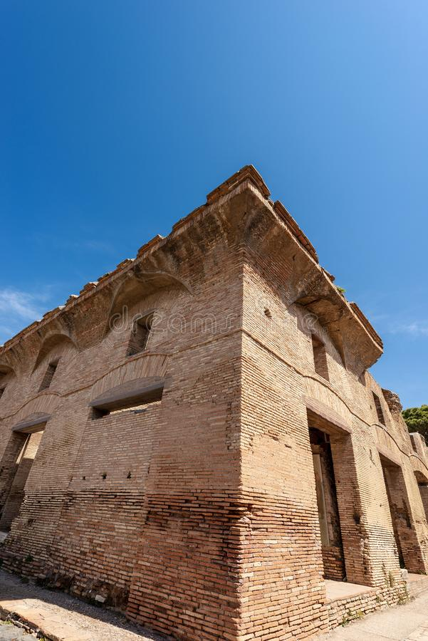 Altes r?misches Geb?ude in Ostia Antica Rom Italien stockbild