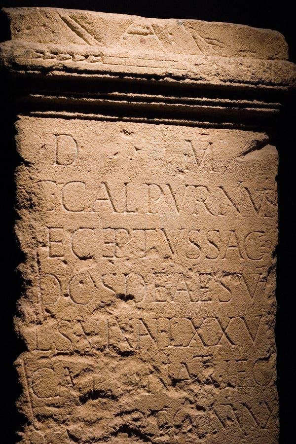Altes römisches Schreiben lizenzfreie stockbilder