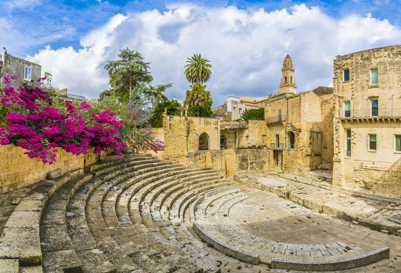 Altes römisches Theater in Lecce, Puglia-Region, Süd-Italien lizenzfreies stockbild