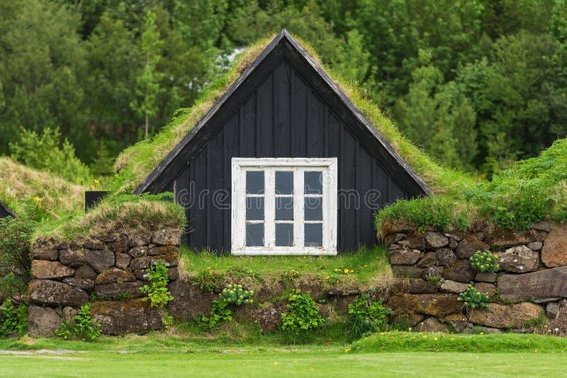 Altes Rasenhaus in Island lizenzfreie stockbilder