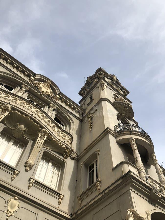 Altes Rathaus mit Kunst neuveau Dekoration stockbild