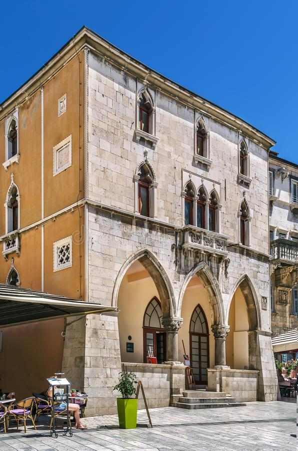 Altes Rathaus, Spalte, Kroatien stockfotos