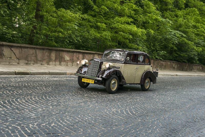 Altes Retro- Auto Opel 1 3 mobel 1397 1934 stockbilder