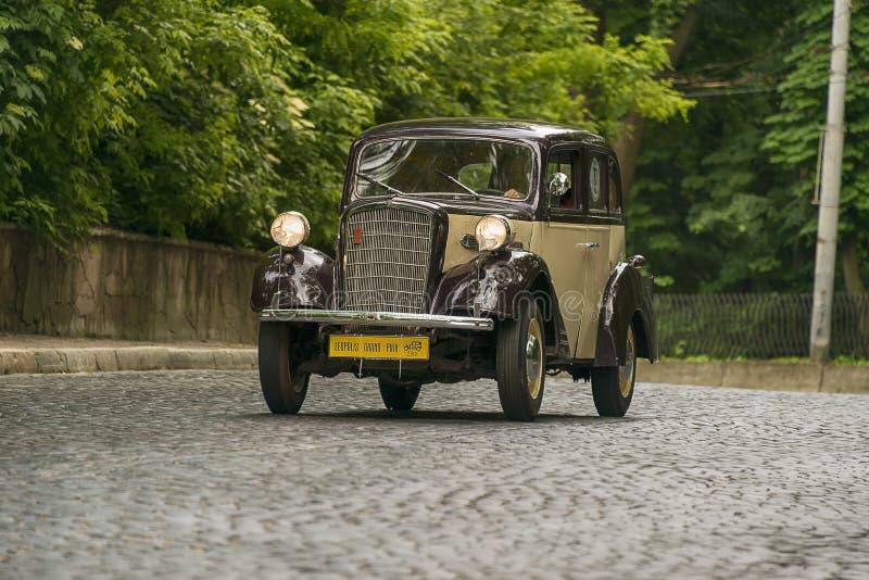 Altes Retro- Auto Opel 1 3 mobel 1397 1934 stockfoto