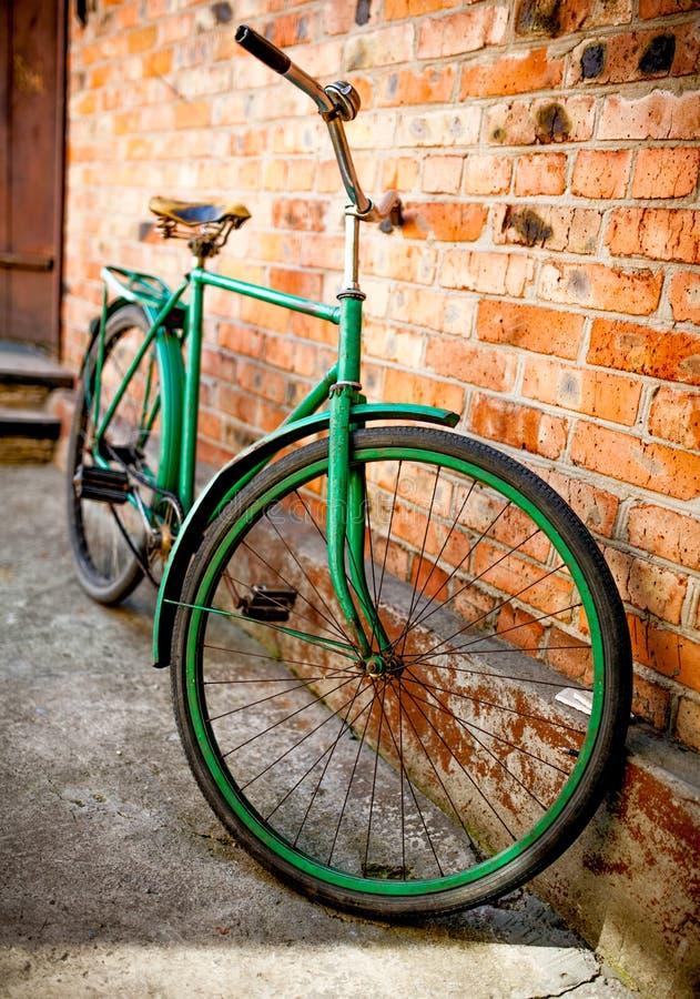 Altes Retro- Fahrrad stockfoto