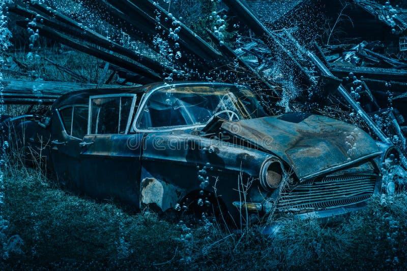 Download Altes rostiges Autowrack stockbild. Bild von fußboden - 96925375