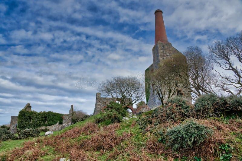 Altes ruiniertes Tin Mine, lizenzfreie stockfotos