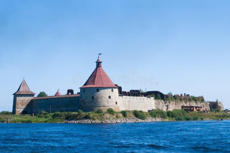 Altes Schloss auf der Insel lizenzfreies stockbild