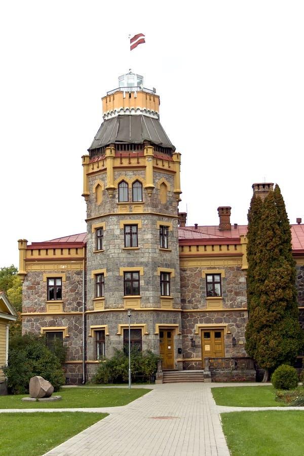 Altes Schloss mit einem Kontrollturm stockfotografie