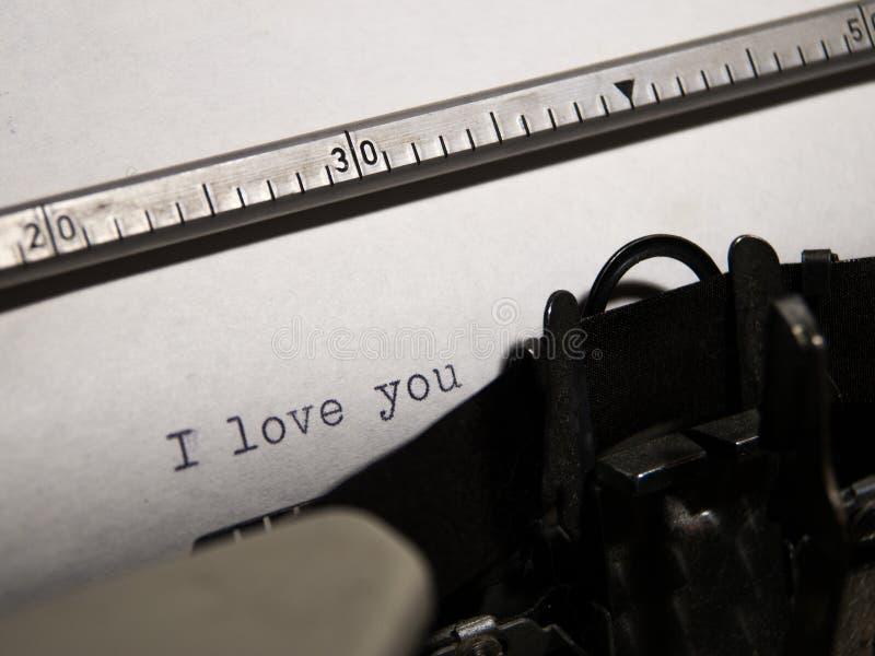Altes Schreibmaschinenschreiben lizenzfreie stockbilder