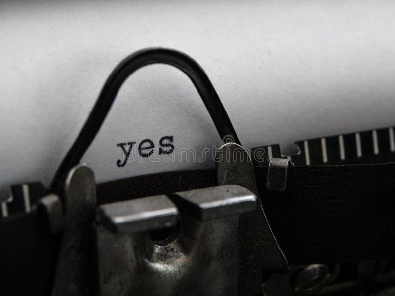 Altes Schreibmaschinenschreiben stockfotos