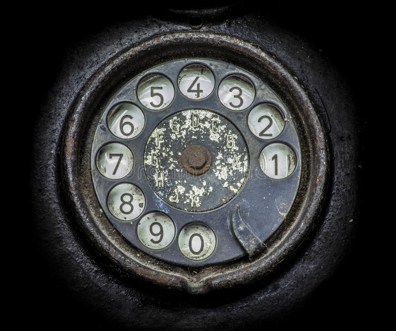 Altes schwarzes Telefon Nahaufnahme einer Drehskala stockfoto