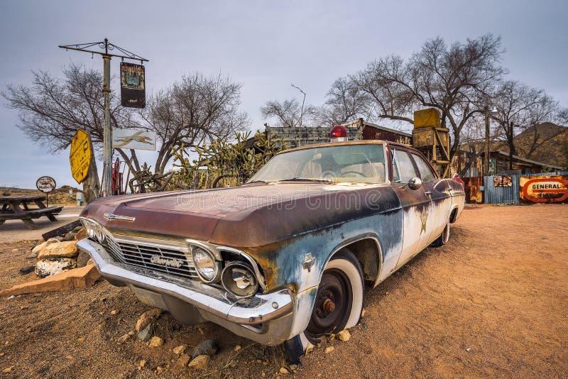 Altes Sheriff ` s Auto mit einer Sirene im Hackberry, Arizona lizenzfreies stockfoto
