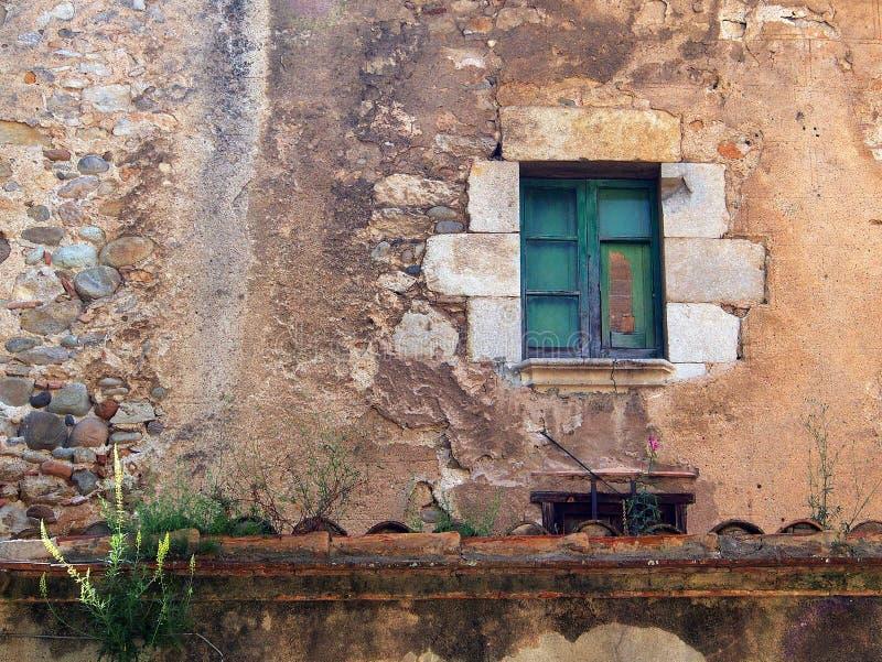 Altes Steinhaus, Girona, Spanien stockbilder