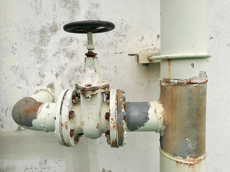 Altes System der Wasserventil-Pumpe stockfotografie