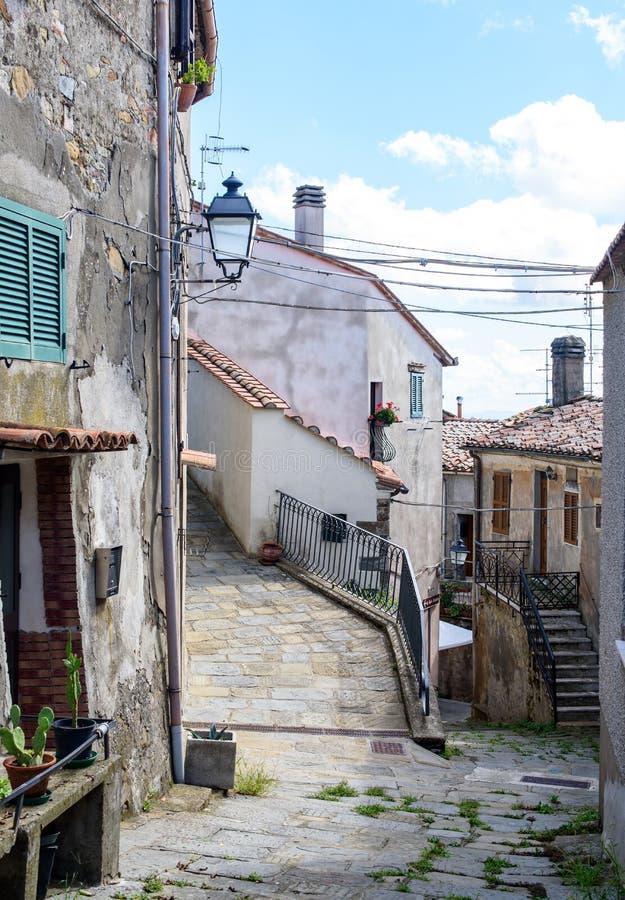 Altes toskanisches Dorf stockbild