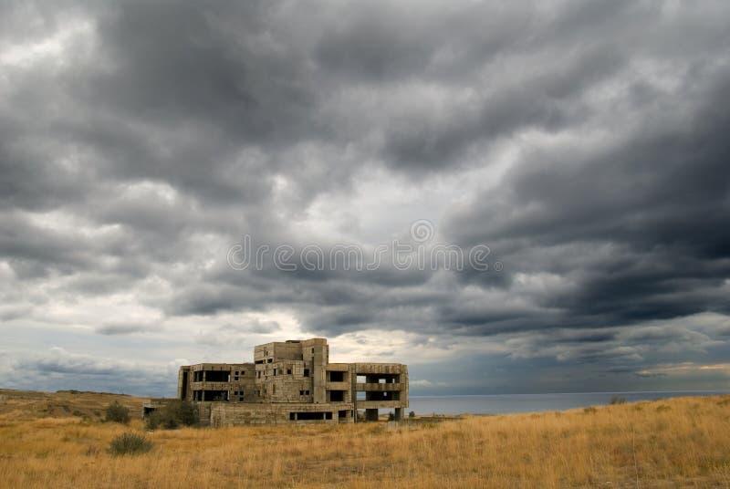 Altes tumbledown Gebäude lizenzfreie stockfotografie