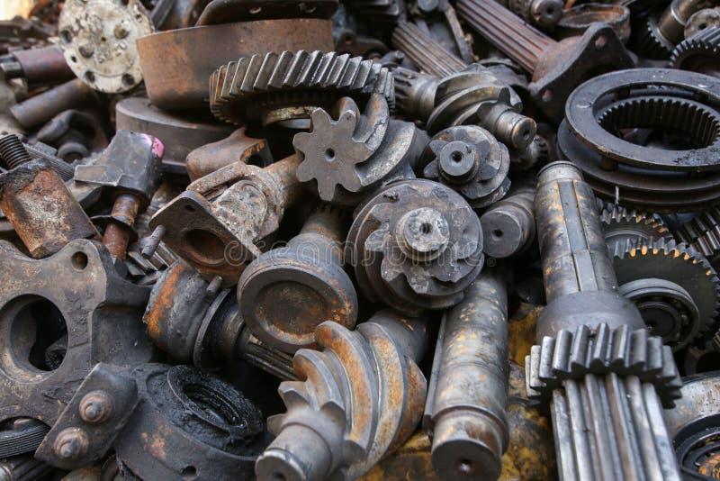 Altes und benutztes Maschinerie-Teil stockfotografie