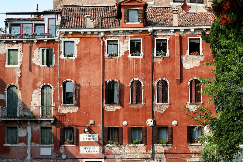 Altes venetianisches Haus lizenzfreie stockfotos