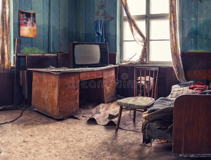 Altes verlassenes Foto des Raumes? HDR gebildet von 9 verschiedenen Berührungen stockbild