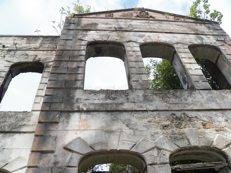 Altes verlassenes Gebäude stockbilder