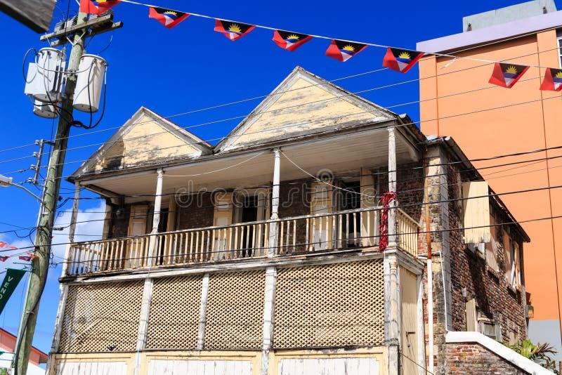 Altes verlassenes Haus auf Antigua stockfotografie