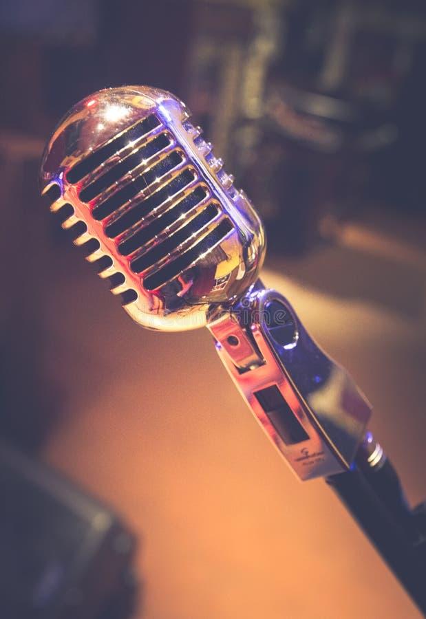 Altes Weinlesemikrofon seit 1950 lizenzfreie stockfotos