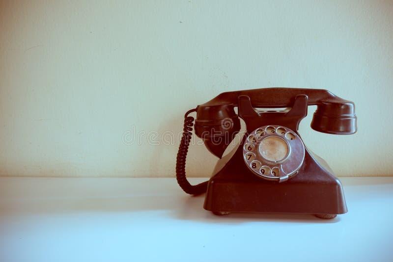 Altes Weinlesetelefon stockfotos