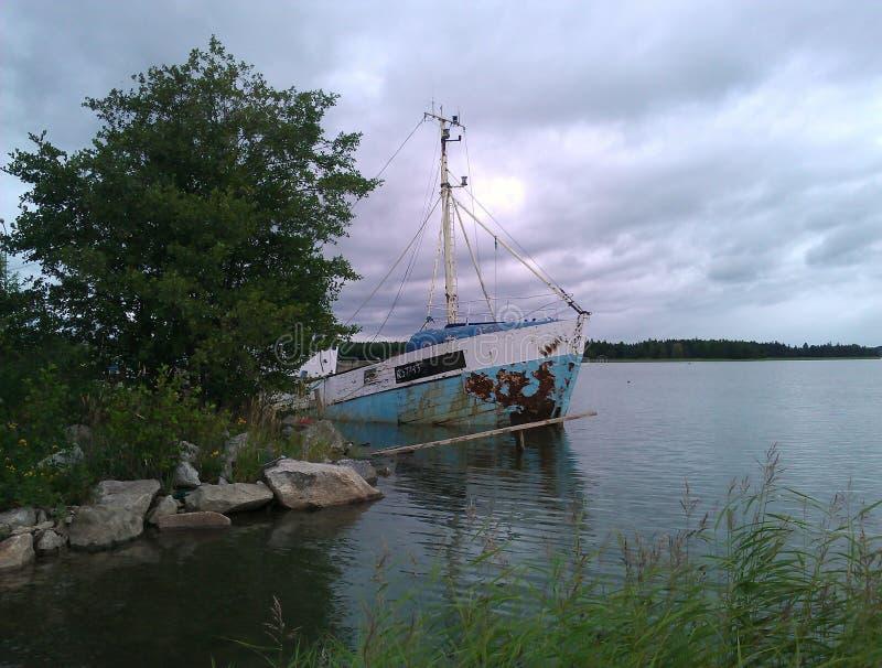Altes Wrackboot stockfotos