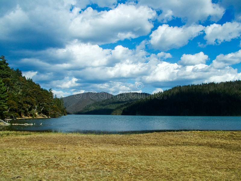 altiplano jezioro obraz stock