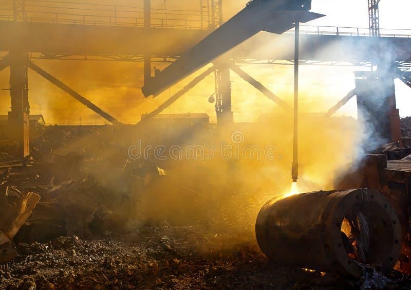 Altmetall und Rauch lizenzfreies stockbild