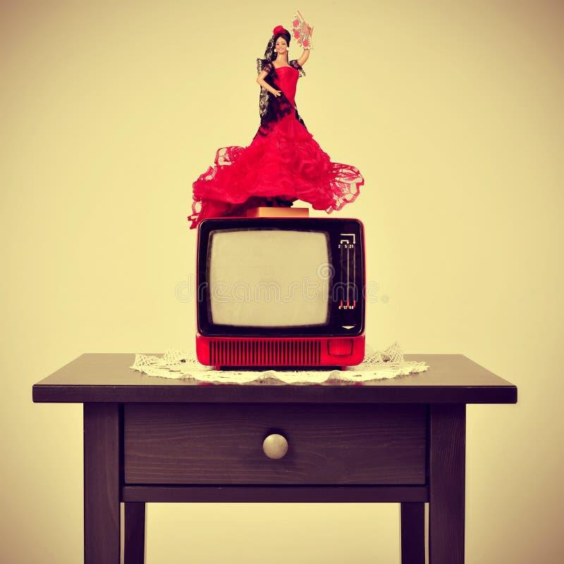 Altmodisches spanisches Wohnzimmer, mit einer flamenca Puppe in Spitze O lizenzfreie stockfotos