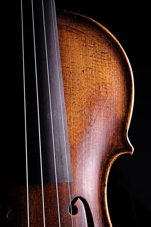 Alto de violon d'isolement sur le noir photos stock