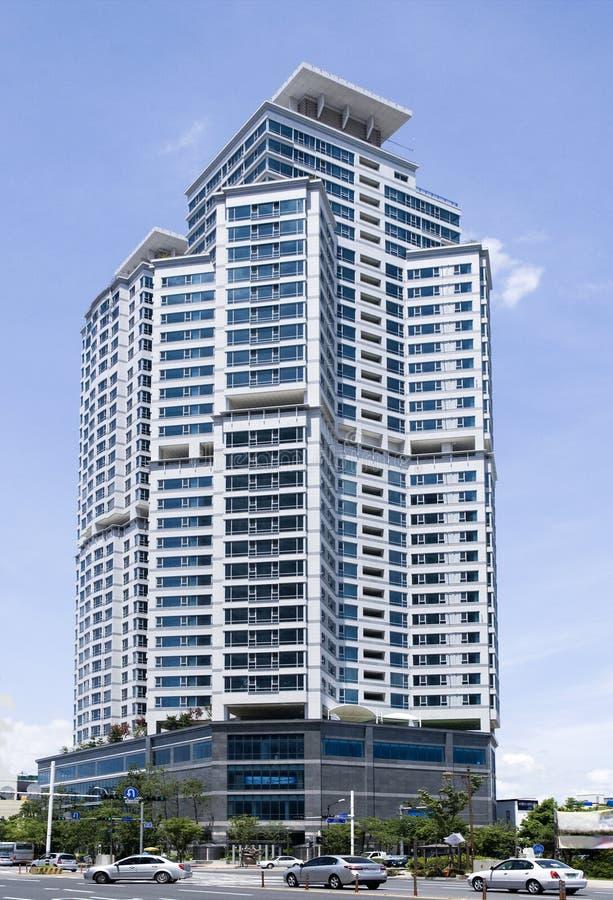 Alto edificio. fotografía de archivo