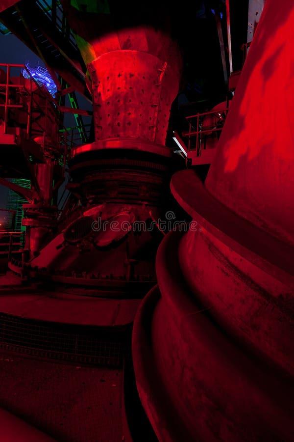 Alto-forno Landschaftspark do potenciômetro da escória, Duisburg, Alemanha, noite imagens de stock royalty free