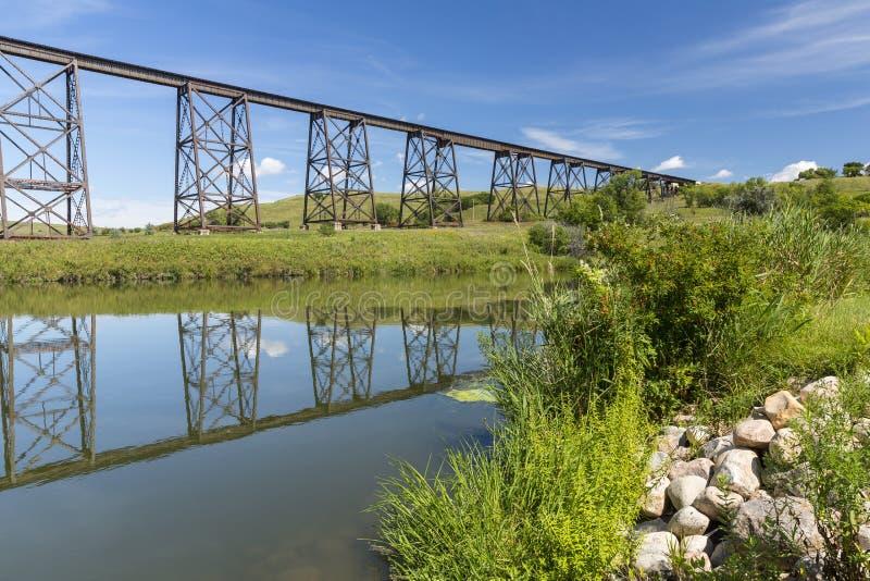 Alto puente del ferrocarril foto de archivo