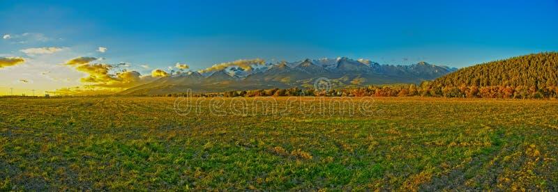 Alto Tatras che uguaglia panorama fotografia stock