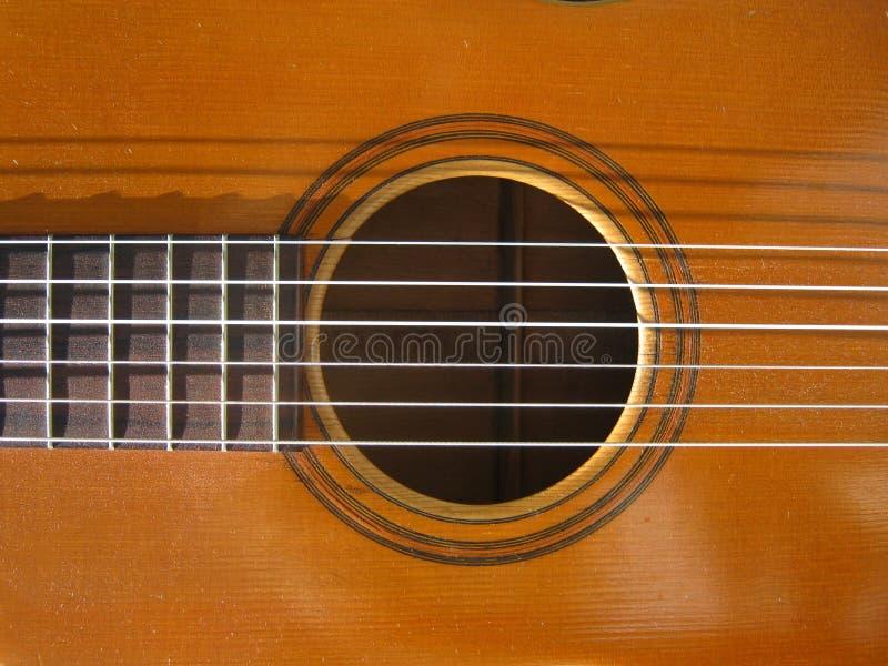 Alto vicino della chitarra immagine stock