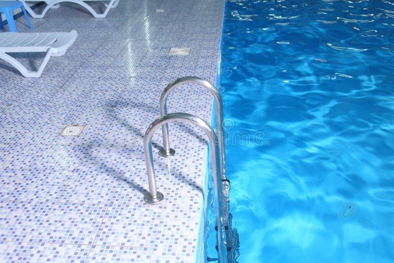 Alto vicino della piscina fotografie stock libere da diritti