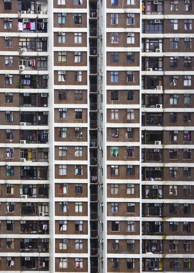 Altos apartamentos de la subida en Hong-Kong fotografía de archivo