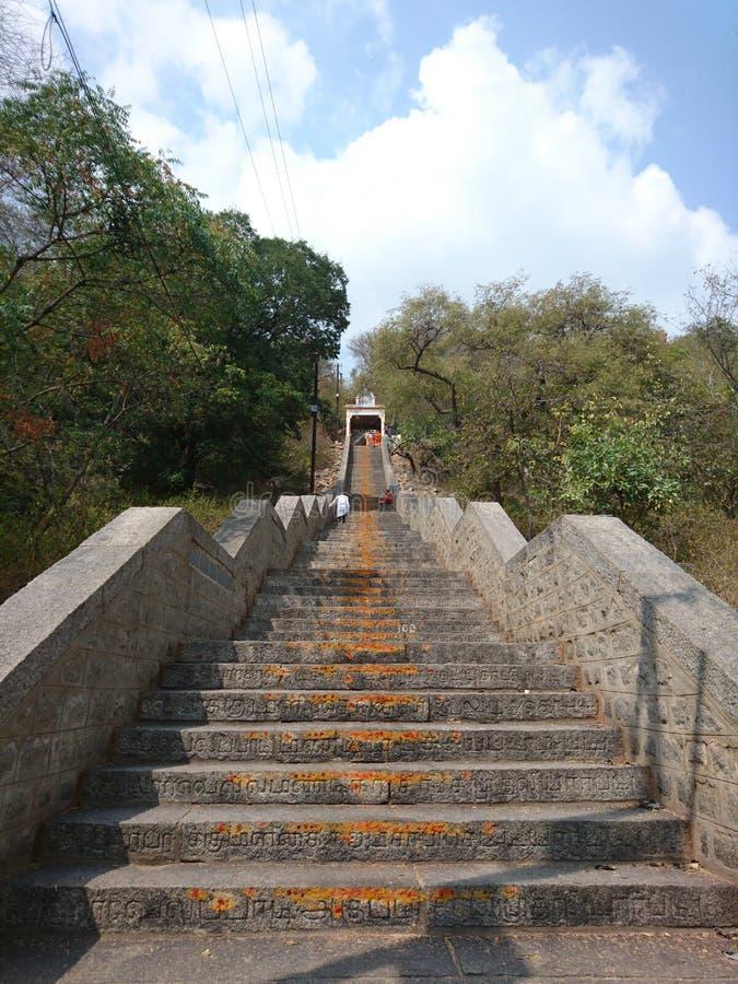 Altos pasos de la colina del templo fotografía de archivo libre de regalías