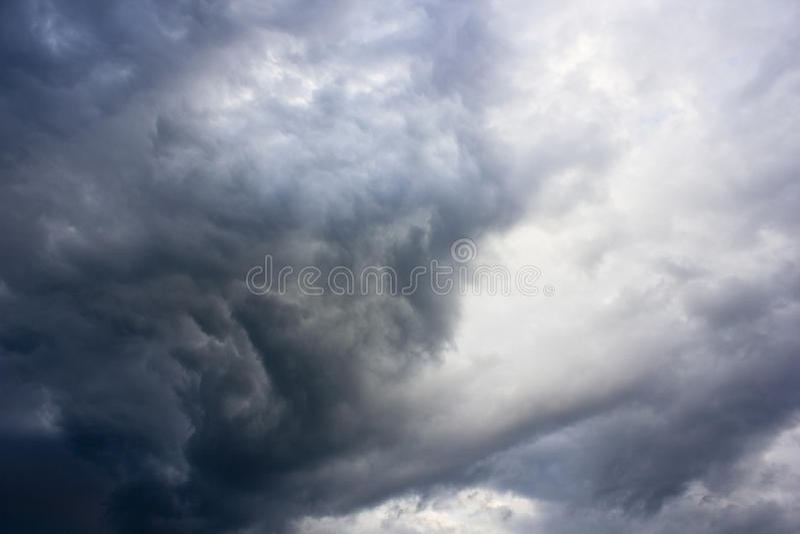 Altostratuswolken stockbild