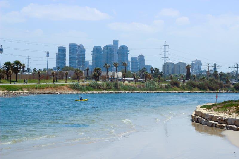 Alturas de Tel Aviv, parque Ha Yarkon foto de stock royalty free