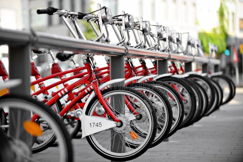 Alugue um ponto da bicicleta fotos de stock royalty free
