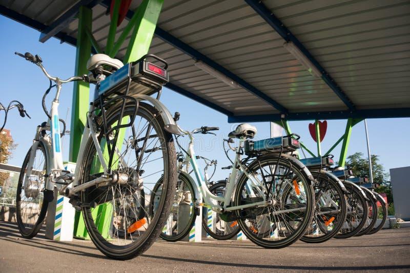 Aluguer da bicicleta imagens de stock
