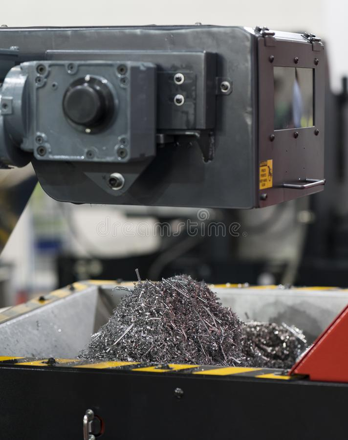 Aluminiowy i stalowy CNC rozcięcia układ scalony lub świstek fotografia royalty free