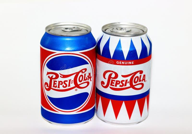 Aluminiowych puszek Pepsi koli limitowany wydanie zdjęcie royalty free