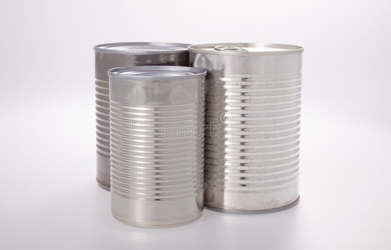 Aluminiummat kan utan etikett isolerat på vitt royaltyfri foto