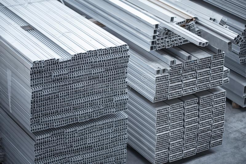 Aluminiumprofile für Bau Aluminiumbaufabrik stockfoto