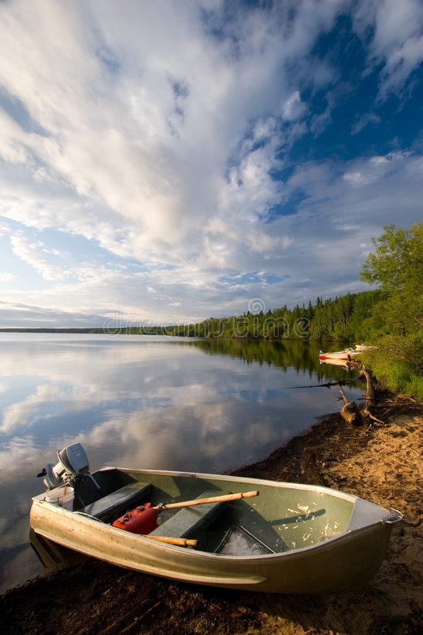 Free Aluminum Boat Stock Photography - 1044652